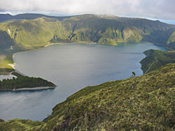 Other view of Lagoa do Fogo